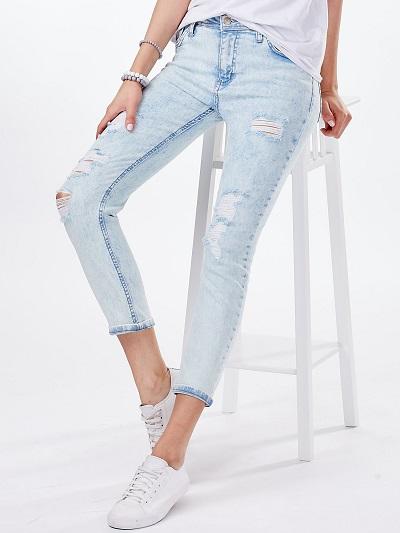 Jeansy damskie – jakie modele wybierać?